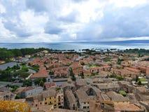 Входящий шторм над Lago di Bolsena Италией стоковое фото