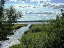 Вход вида на озеро ландшафта Стоковые Фото
