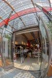 Вход в RED-READ ЕСТ МЕЧТ bookstore, милан, Италию Стоковое Фото