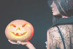 Вход ограничен к ночному клубу, дресс-коду Партия 2017 хеллоуина Стоковые Изображения RF