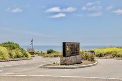 Вход парка штата бухты Кристл со знаком стоковая фотография rf