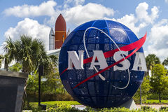 Контрольный центр управления полетом Ориона Редакционное  Вход космического центра nasa Кеннеди Стоковые Изображения rf