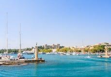 Вход к порту Mandraki Родоса Греция Стоковое Изображение