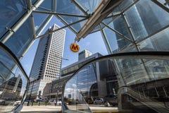 Вход к станции рондо ONZ линии метро вторых Варшавы Стоковые Фото