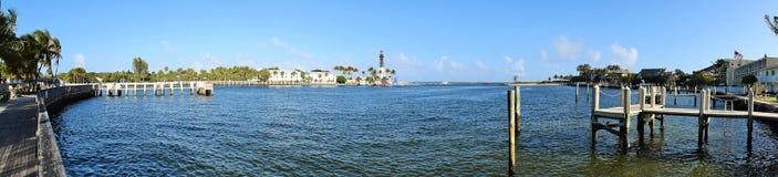 Вход маяка и океана Стоковое фото RF