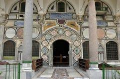 Вход мечети Стамбула, знает завоевание nibs султана p ¼ Eyà Стамбула космоса стоковые фото
