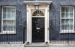 Входная дверь 10 Даунинг-стрит в Лондоне Стоковые Изображения RF