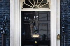 Входная дверь 10 Даунинг-стрит в Лондоне Стоковое фото RF