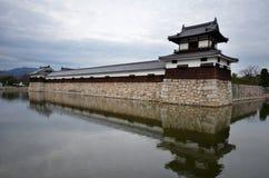 Вход на замок Хиросимы с прудом стены и воды Стоковые Фото