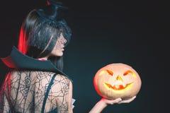 Вход ограничен к ночному клубу, дресс-коду Партия 2016 хеллоуина! Стоковые Фото
