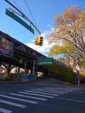 Вход проезжей части моста Ed Koch Queensboro верхний, 59th мост улицы, ферзи, NYC, США Стоковые Фото