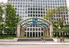 Вход пятого третьего центра - южная площадь берега реки 222 в Чикаго стоковая фотография