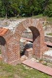 Вход старых термальных ванн Diocletianopolis, городка Hisarya, Болгарии стоковые фото
