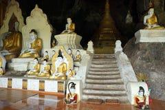 Вход с buddhas стоковая фотография