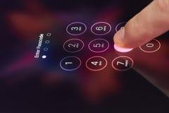 Входя в пароль на smartphone Стоковая Фотография RF