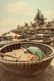 Въетнамские круглые бамбуковые шлюпки стоковые изображения rf