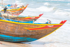 Въетнамские coracles на пляже, племенные шлюпки рыбной ловли на рыбной ловле VI Стоковые Фото