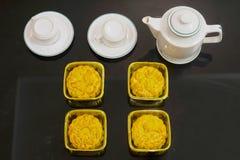 Въетнамский средний торт фестиваля осени Mooncakes традиционные печенья съеденные во время фестиваля Средний-осени Фестиваль вклю Стоковые Фото