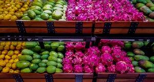 Выберите ваши плодоовощи стоковые фото