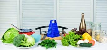 Выберите здоровый образ жизни свежая здоровая кулинарный рецепт Подготовка и кулинарное Здоровый варить еды dieting стоковое фото