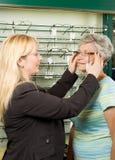 выбирать optician стекел стоковые изображения rf
