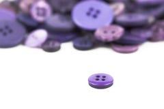 Выбор выбора различных фиолетовых кнопок Стоковые Изображения RF