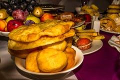 Выбор еды для торжества, Средней Азии Зажаренные хлебы Стоковые Изображения RF