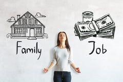 Выбор между работой и семьей стоковая фотография