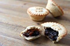 Выбор нескольких семенит пироги, взломанное некоторое или отчасти eate Стоковые Изображения RF