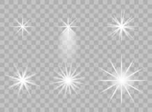 Выбор прозрачных элементов света на изолированной предпосылке Яркое отражение, пирофакел Светя звезда ослепляя бесплатная иллюстрация