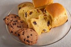 Выбор сладостных хлеба и печений Стоковые Фотографии RF