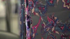 Выбор ткани от широкого диапазона 2 сток-видео