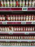Выбор травы и специй, полка супермаркета Стоковое Фото