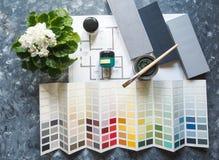 Выбор цвета для архитектурного дизайна Концепция дела с красками для архитектурноакустического проекта Стоковые Изображения RF