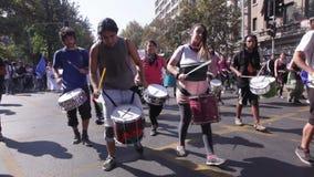 Выгода образования протеста студентов