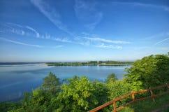 Выгодная позиция и озеро Стоковые Изображения