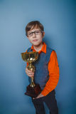 выглядящий Европейск мальчик 10 лет в стеклах Стоковое Фото