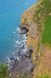 выдалбливает море береговой линии Стоковое Изображение RF