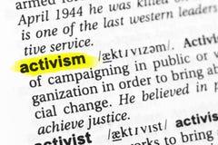 Выделенное английское ` активизма ` слова и свое определение в словаре стоковые изображения