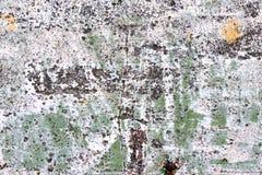 Выдержанный бетон покрашенный в белые зеленой и желтый Стоковое Изображение
