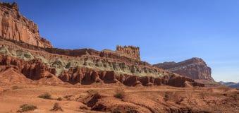 Вызванная горная порода замком Стоковое фото RF