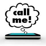 Вызовите меня соединением связи телефона сотового телефона слов Стоковое фото RF