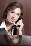 вызывать женщину стоковая фотография rf