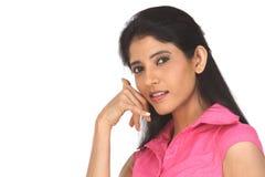 вызывая девушка индийское подростковое Стоковые Изображения
