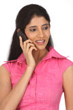 вызывая девушка индийское подростковое Стоковая Фотография