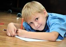 выйденное hander чертежа мальчика Стоковое фото RF