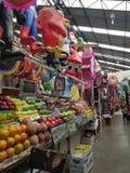 выйдите залу вышед на рынок на рынок 16-ое сентября в центре города Toluca, Мексики Стоковое Изображение RF