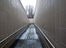 Выйдите от пешеходного подземного перехода Стоковые Изображения RF