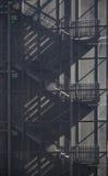 Выйдите черные лестницы стоковая фотография rf