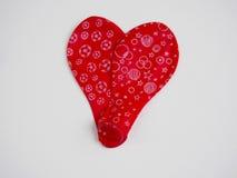 2 выкачали красный воздушный шар формируя сердце Стоковое Изображение